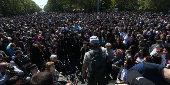 Protesty w Armenii/VAHRAM BAGHDASARYAN /PAP/EPA