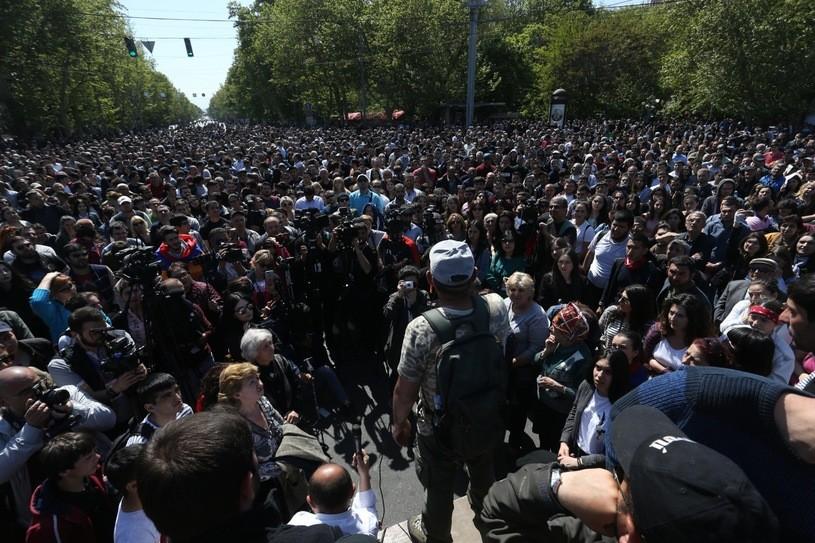 Armenia: Lider opozycji zatrzymany. Policja dementuje