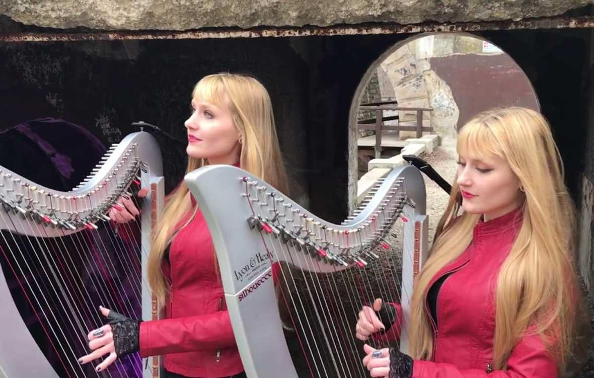"""Bliźniaczki Harp Twins zagrały na harfach """"Rainbow In The Dark"""" Dio"""