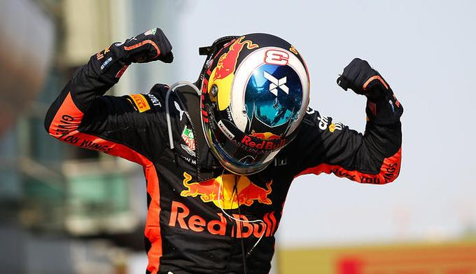 """Daniel Ricciardo nie chce zobowiązującego kontraktu. """"Nie wiem, dokąd zawędruje ten sport"""""""