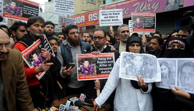 Protest domagających się kary śmierci w sprawie gwałtu i zabójstwa dziewczynki; Zdj. ilustracyjne/AFP