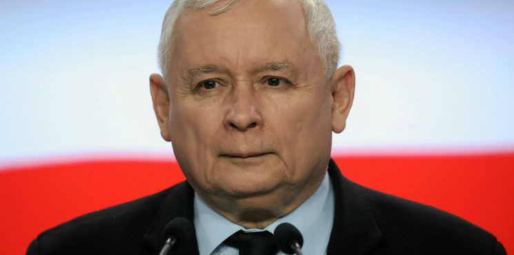 Kaczyński: premie ministrów dla Caritas