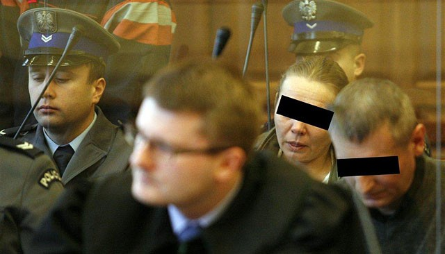 Urządzili 22-latce noc tortur. Gwałcili ją półlitrówką!