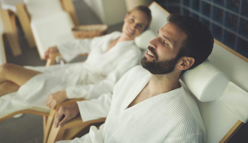 Spa to nie tylko pomysł dla kobiet (Shutterstock.com)