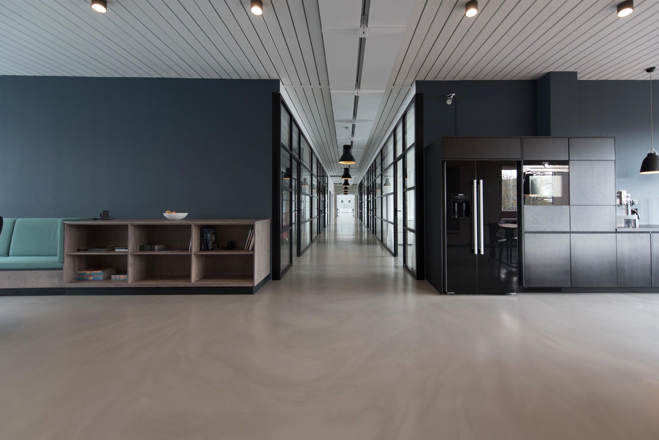 Czarna lodówka – designerskie rozwiązania od Samsung w twojej kuchni