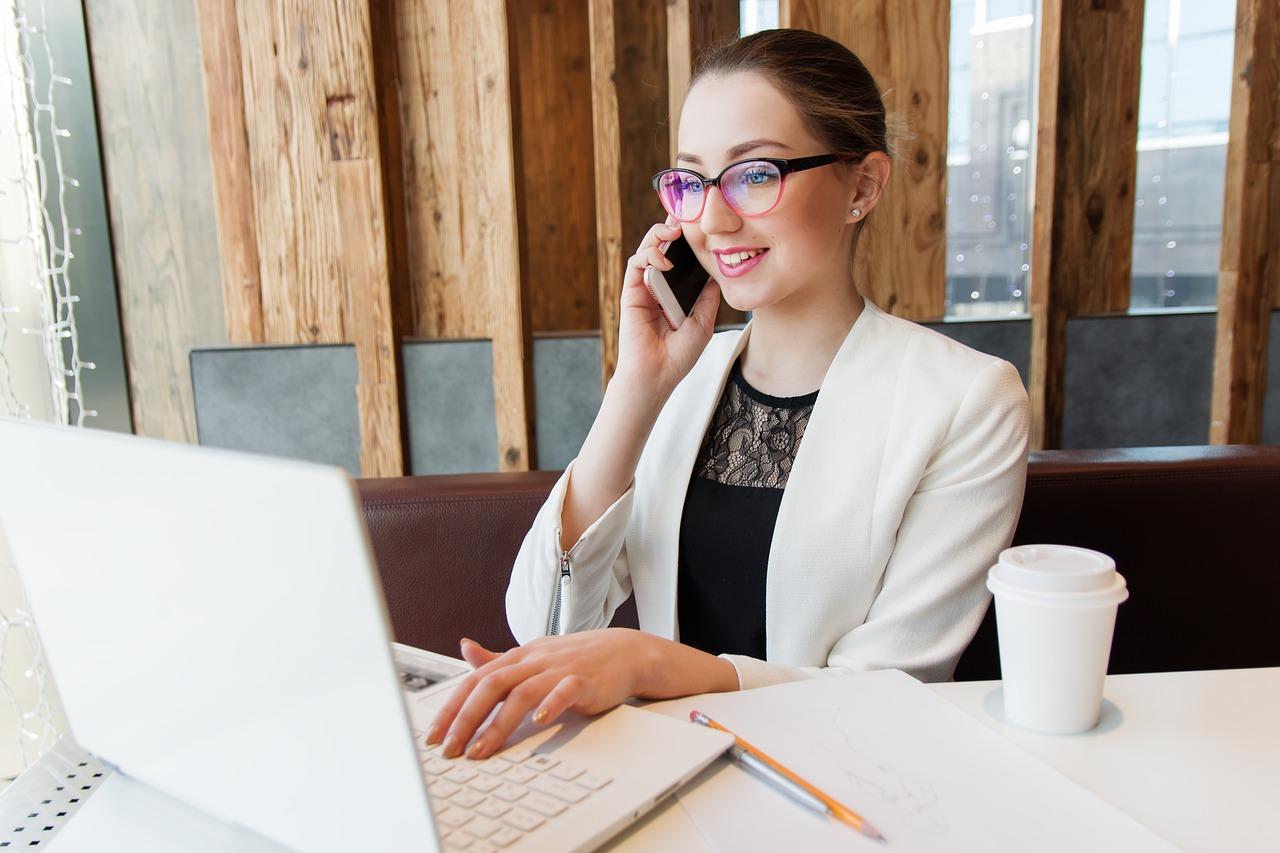 Telekonferencje – jak skorzystać, a nie zbłądzić